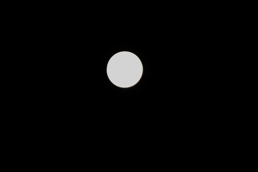 真ん丸の月